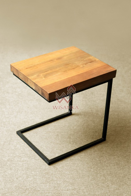 Seattle Wooden Table